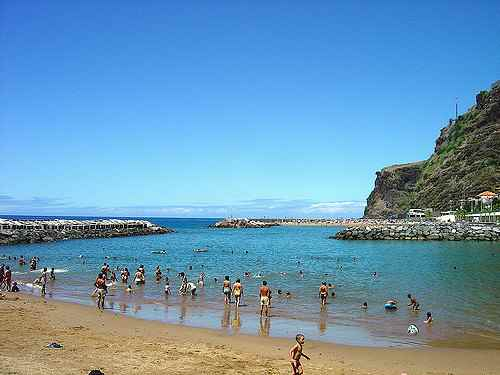 /book/hostels/hotels/calheta/portugal