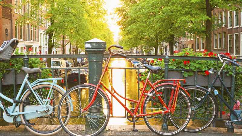 /book/hostels/hotels/amsterdam/netherlands